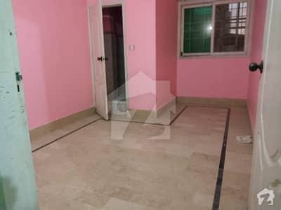 محمود آباد کراچی میں 2 کمروں کا 3 مرلہ فلیٹ 18 ہزار میں کرایہ پر دستیاب ہے۔