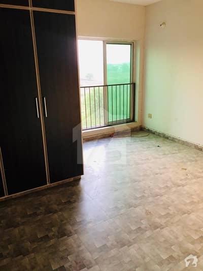 کینال گارڈن لاہور میں 2 کمروں کا 4 مرلہ فلیٹ 18 ہزار میں کرایہ پر دستیاب ہے۔