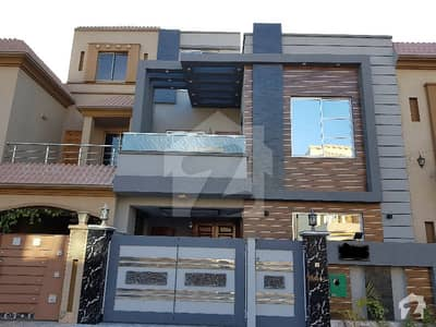 5 Marla Brand New Luxurious Classic House For Rent In Bahria Town Lahore