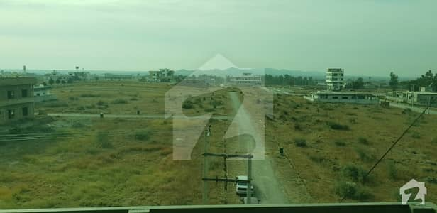 5 Marla Plot File For Sale In Executive Block service Road  Top location