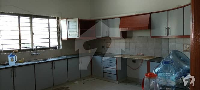 500 Yards Portion For Rent Ground Floor Slightly Use Everything Separate Prime Location