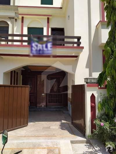 بحریہ ٹاؤن عمر بلاک بحریہ ٹاؤن سیکٹر B بحریہ ٹاؤن لاہور میں 3 کمروں کا 5 مرلہ مکان 1.12 کروڑ میں برائے فروخت۔