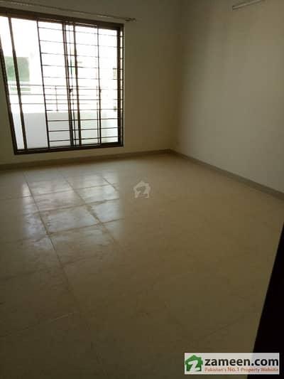 پی اے ایف فالکن کمپلیکس گلبرگ لاہور میں 5 کمروں کا 1 کنال مکان 5.25 کروڑ میں برائے فروخت۔