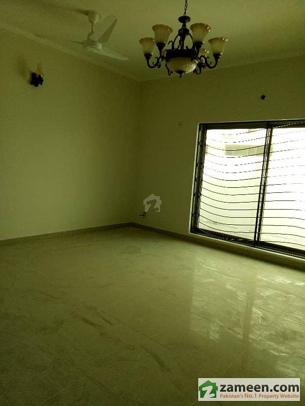 پی اے ایف فالکن کمپلیکس گلبرگ لاہور میں 3 کمروں کا 1 کنال بالائی پورشن 65 ہزار میں کرایہ پر دستیاب ہے۔