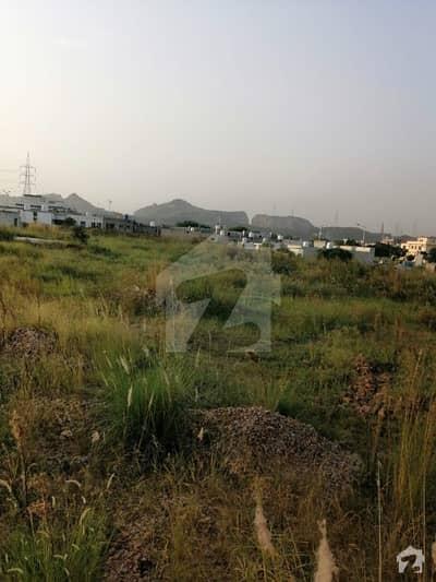 ایم پی سی ایچ ایس - بلاک بی ایم پی سی ایچ ایس ۔ ملٹی گارڈنز بی ۔ 17 اسلام آباد میں 24 کنال کمرشل پلاٹ 2.4 ارب میں برائے فروخت۔