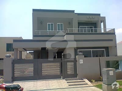 Demolished Condition House For Sale In PECHS Block2 Near To Park