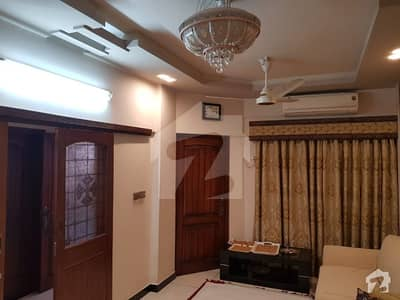 گلستانِِ جوہر ۔ بلاک 17 گلستانِ جوہر کراچی میں 3 کمروں کا 6 مرلہ فلیٹ 1.6 کروڑ میں برائے فروخت۔