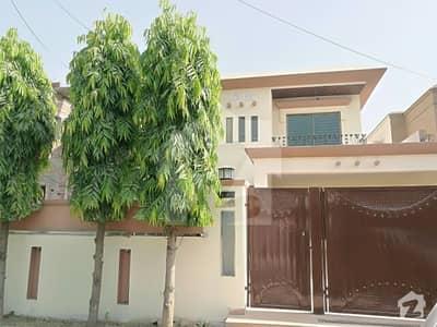 ماڈل ٹاؤن لاہور میں 5 کمروں کا 1 کنال مکان 1.6 لاکھ میں کرایہ پر دستیاب ہے۔