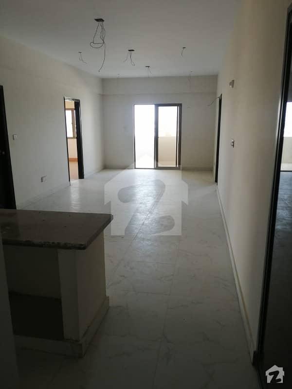 جناح ایونیو کراچی میں 2 کمروں کا 5 مرلہ فلیٹ 95 لاکھ میں برائے فروخت۔