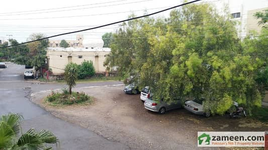 Askari 3 Top Floor Flat Fully Renovated Tiled Available For Sale