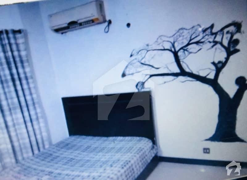 ماڈل ٹاؤن لاہور میں 1 کمرے کا 5 مرلہ کمرہ 14 ہزار میں کرایہ پر دستیاب ہے۔