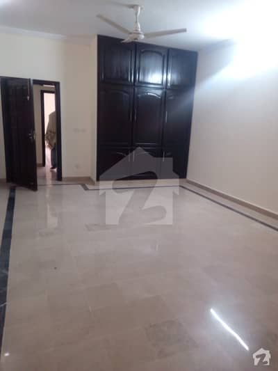 Chatha Bakhtawar 3 Bed Bachelors mall Family 1st Floor Rent 25000
