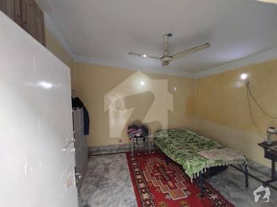 لاریچ کالونی مین کینال بینک روڈ لاہور میں 3 کمروں کا 5 مرلہ مکان 1 کروڑ میں برائے فروخت۔