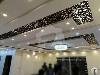 بحریہ ٹاؤن فیز 8 ۔ سیکٹر ایف - 1 بحریہ ٹاؤن فیز 8 بحریہ ٹاؤن راولپنڈی راولپنڈی میں 6 کمروں کا 1.5 کنال مکان 3.75 کروڑ میں برائے فروخت۔