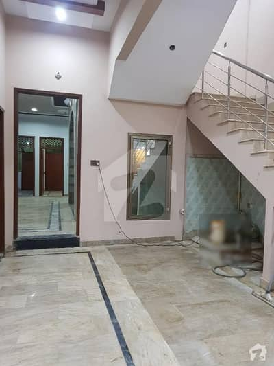 گلشنِ معمار - سیکٹر زیڈ گلشنِ معمار گداپ ٹاؤن کراچی میں 6 کمروں کا 10 مرلہ مکان 70 ہزار میں کرایہ پر دستیاب ہے۔