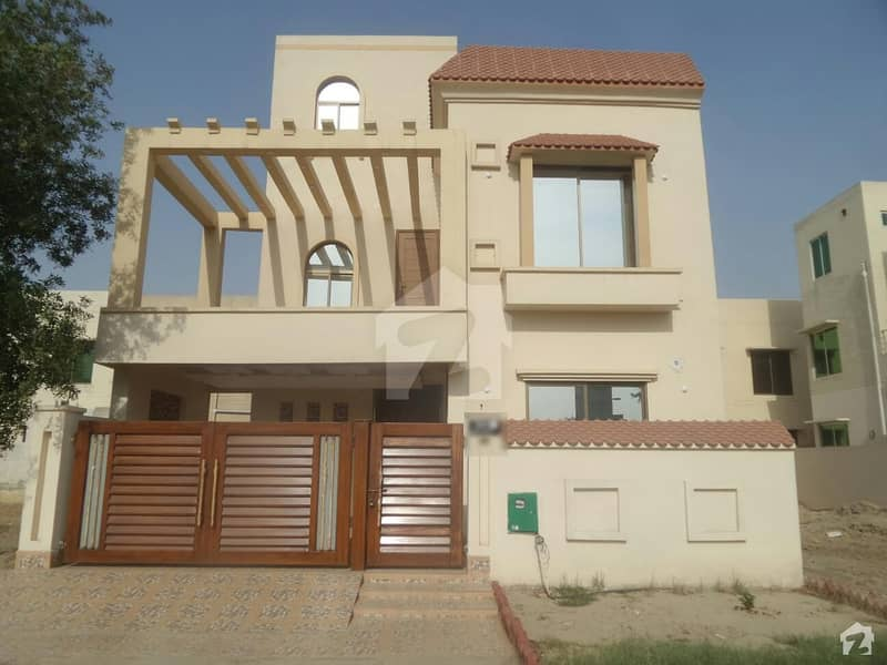 House In Bahria Nasheman Sized 8 Marla Is Available