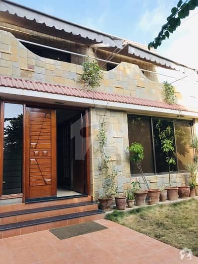 280 Yards Independent Bungalow For Sale