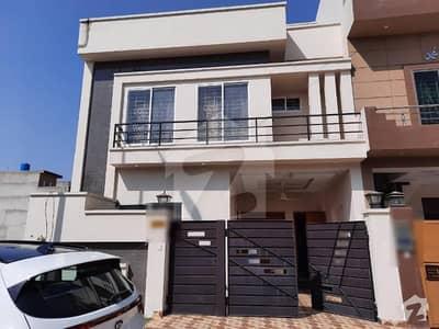 بحریہ ٹاؤن گرین ویلی بحریہ ٹاؤن لاہور میں 3 کمروں کا 5 مرلہ مکان 1.25 کروڑ میں برائے فروخت۔