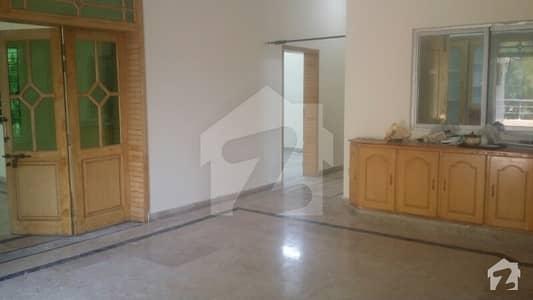 Upper Portion For Rent 3 Bed 3 Baths Dd Tv Lounge