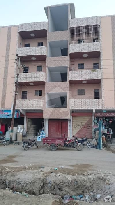 Flat Is Available For Sale Surjani Twon Main Road Good Location