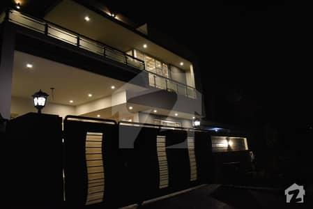 آئی ۔ 8 اسلام آباد میں 6 کمروں کا 10 مرلہ مکان 6.25 کروڑ میں برائے فروخت۔