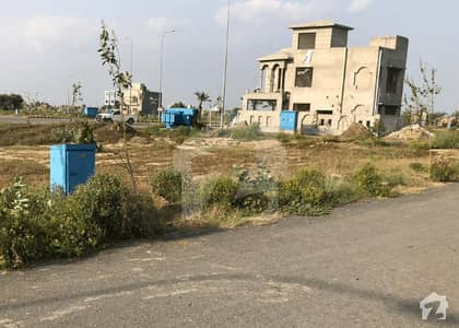 Close To Park 8 Marla Residential Possession Plot For Sale