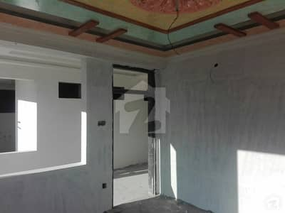 In Murree Expressway Flat For Sale Sized 1000 Square Feet