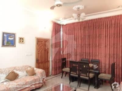 پی جی ای سی ایچ ایس فیز 1 پنجاب گورنمنٹ ایمپلائیز سوسائٹی لاہور میں 2 کمروں کا 10 مرلہ مکان 55 ہزار میں کرایہ پر دستیاب ہے۔