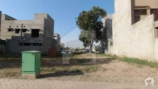 بحریہ ٹاؤن جناح بلاک بحریہ ٹاؤن سیکٹر ای بحریہ ٹاؤن لاہور میں 5 مرلہ رہائشی پلاٹ 52 لاکھ میں برائے فروخت۔