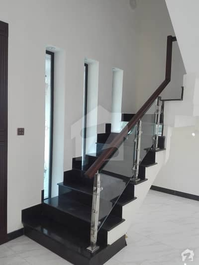 10 Marla House For Sale At Good Location In Askari 12