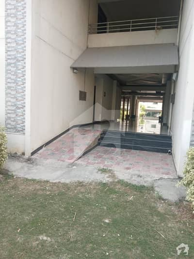 Brand New Flat 10 Marla 3 Bedroom Ground With Access Lawn