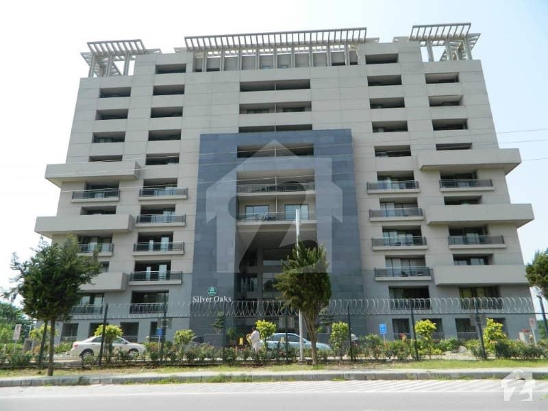 سلوراوکس اپارٹمنٹ ایف ۔ 10 اسلام آباد میں 3 کمروں کا 8 مرلہ فلیٹ 3.9 کروڑ میں برائے فروخت۔