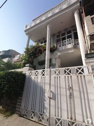 Awan Town House Sized 1350  Square Feet For Sale