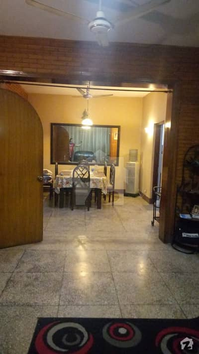 Iqbal Town Kamran Block Facing Park 4 Bedroom With Attach Bath Solid House