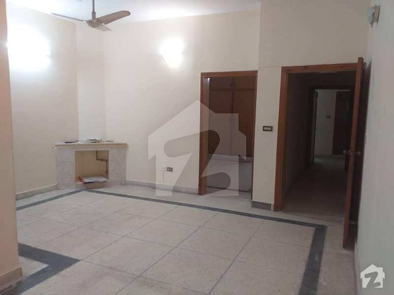 جی ۔ 6/2 جی ۔ 6 اسلام آباد میں 3 کمروں کا 10 مرلہ بالائی پورشن 62 ہزار میں کرایہ پر دستیاب ہے۔