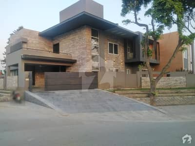 Triple Storey House With Basement Is Available For Sale
