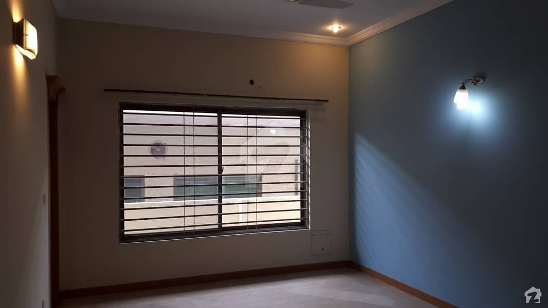 10 Marla House Is Available For Sale In Bahria Town Rawalpindi