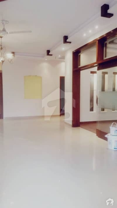 10 Marla Luxury House For Rent At Prime Location