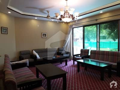 جی ۔ 6 اسلام آباد میں 9 کمروں کا 1.33 کنال مکان 3.5 لاکھ میں کرایہ پر دستیاب ہے۔