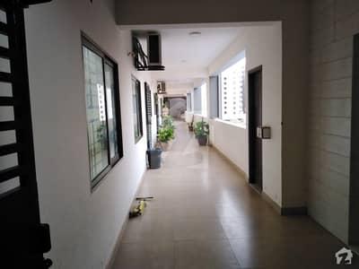 جناح ایونیو کراچی میں 2 کمروں کا 6 مرلہ فلیٹ 1.4 کروڑ میں برائے فروخت۔