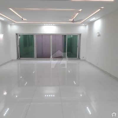 بحریہ ٹاؤن ۔ بابر بلاک بحریہ ٹاؤن سیکٹر A بحریہ ٹاؤن لاہور میں 7 کمروں کا 2 کنال مکان 10.5 کروڑ میں برائے فروخت۔