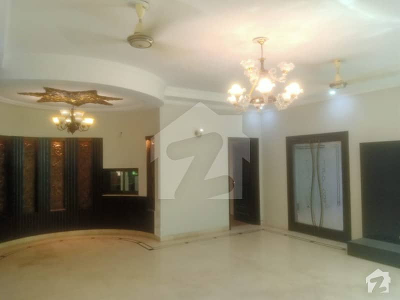 1 Kanal Slightly Used Reasonable Pricing House For Sale