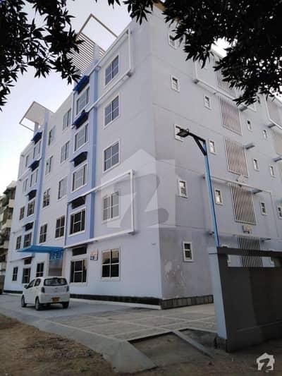 کلفٹن ۔ بلاک 5 کلفٹن کراچی میں 3 کمروں کا 9 مرلہ فلیٹ 4.5 کروڑ میں برائے فروخت۔
