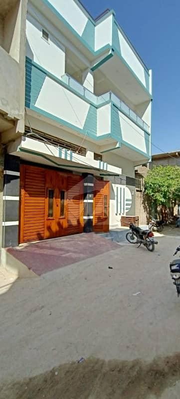 میاں قاضی احمد موڑ نواب شاہ میں 6 کمروں کا 6 مرلہ مکان 1.5 کروڑ میں برائے فروخت۔
