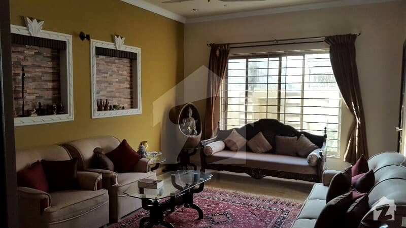 1800 Square Feet House Is Available For Sale In G-13