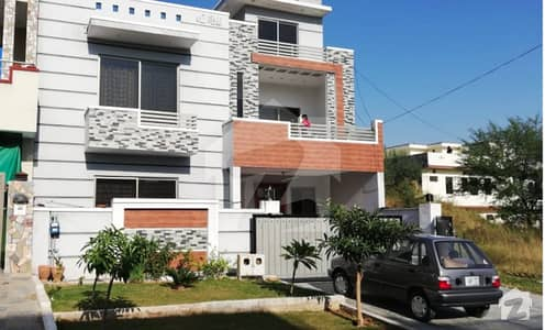 Self  Solid Constructed  272 Sq Yards 35 X 70 Beautiful House Available In F15 Jkchs Islamabad