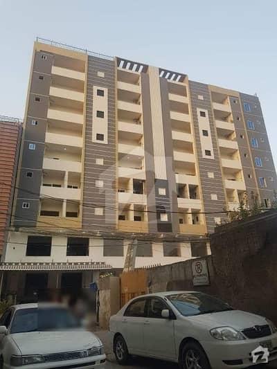 یونیورسٹی ٹاؤن پشاور میں 4 کمروں کا 8 مرلہ فلیٹ 1 کروڑ میں برائے فروخت۔