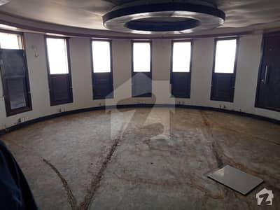 کلفٹن ۔ بلاک 3 کلفٹن کراچی میں 13 مرلہ دفتر 6.2 کروڑ میں برائے فروخت۔
