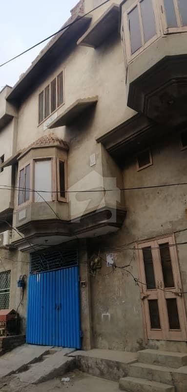 منصورآباد فیصل آباد میں 8 کمروں کا 5 مرلہ مکان 95 لاکھ میں برائے فروخت۔