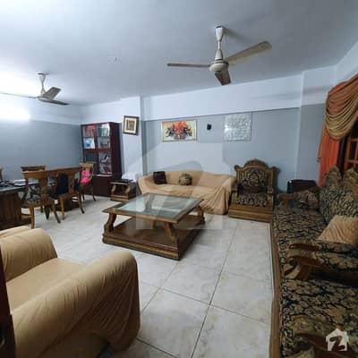 کلفٹن ۔ بلاک 5 کلفٹن کراچی میں 3 کمروں کا 9 مرلہ فلیٹ 2.2 کروڑ میں برائے فروخت۔